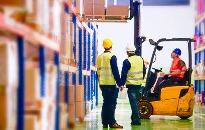 Australia takes on global fork lift standard