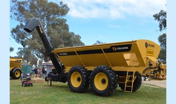 Spreader/chaser wins top machinery award