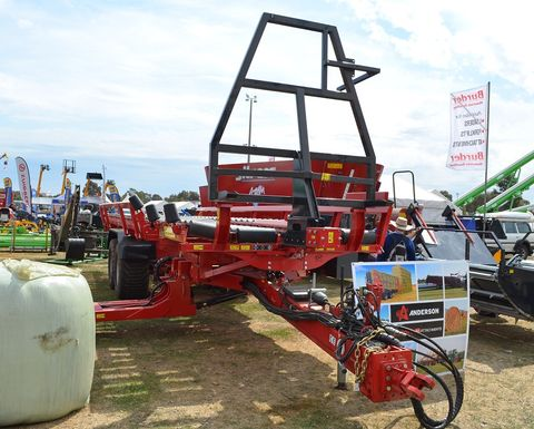 Self-loading bale carrier wins title