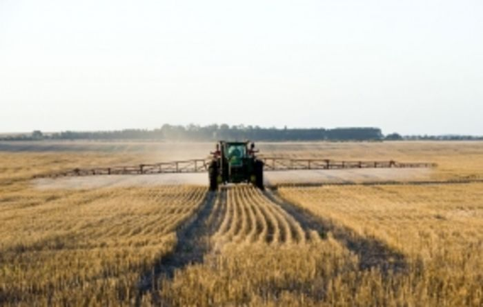 Improving pre-emergent herbicide in high stubble situations