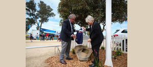 Former Deputy PM honoured at Henty