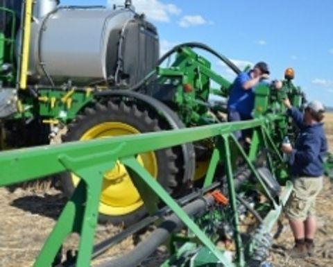 Self-propelled sprayers tested - farmingahead com au