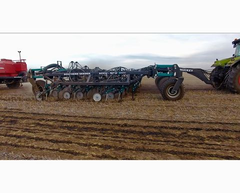 Seeder and telehandler win awards at Elmore