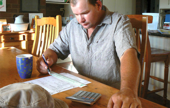 Australian farmers behind the financial eight ball