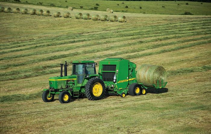Deere launches new balers
