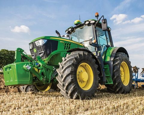 John Deere 6M tractors get make over