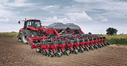 Case IH Magnum and Early Riser win AE50 awards
