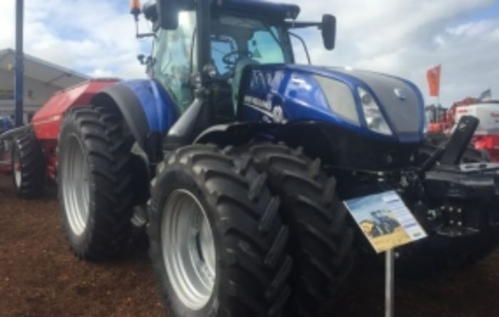 New Holland lifts front-wheel-assist tractor bar with heavy-duty options